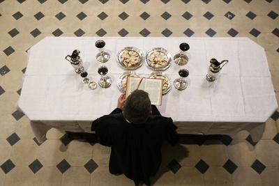 https://imgc.allpostersimages.com/img/posters/protestant-eucharist-ile-de-france-france_u-L-Q1GYMYN0.jpg?artPerspective=n