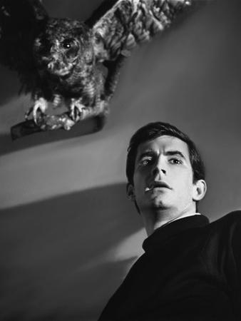 https://imgc.allpostersimages.com/img/posters/psycho-1960-directed-by-alfred-hitchcock-anthony-perkins-b-w-photo_u-L-Q1C1AEF0.jpg?artPerspective=n