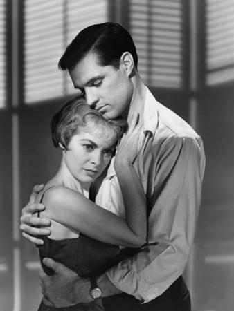 PSYCHO, 1960 directed by ALFRED HITCHCOCK Janet Leigh / John Gavin (b/w photo)