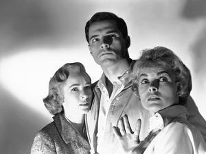PSYCHO, 1960 directed by ALFRED HITCHCOCK Vera Miles, John Gavin and Janet Leigh (b/w photo)