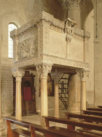 Pulpit, Troia Cathedral