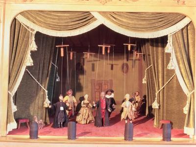 https://imgc.allpostersimages.com/img/posters/puppet-theatre-with-marionettes-18th-century_u-L-P543JV0.jpg?p=0
