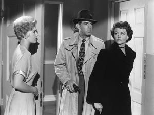 PUSHOVER, 1954 directed by RICHARD QUINE Kim Novak, Fred MacMurray and Dorothy Malone (b/w photo)