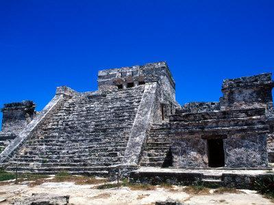 https://imgc.allpostersimages.com/img/posters/pyramid-ruins-in-tulum-mexico_u-L-P2OVZ40.jpg?p=0