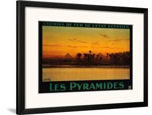 Pyramides by M Tamplough