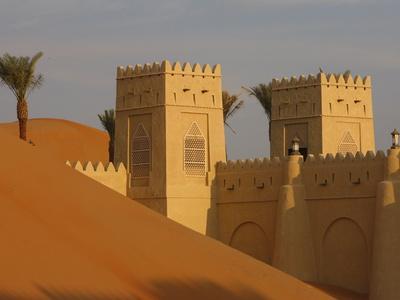 https://imgc.allpostersimages.com/img/posters/qasr-al-sarab-desert-resort-by-anantara-abu-dhabi-united-arab-emirates-middle-east_u-L-PFO3LC0.jpg?p=0