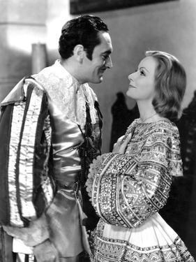 QUEEN CHRISTINA, 1933 directed by ROUBEN MAMOULIAN John Gilbert / Greta Garbo (b/w photo)
