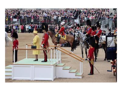 https://imgc.allpostersimages.com/img/posters/queen-elizabeth-ii-at-her-annual-birthday-parade-trooping-the-colour_u-L-F77RGP0.jpg?artPerspective=n