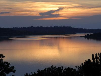 https://imgc.allpostersimages.com/img/posters/queen-elizabeth-national-park-kazinga-channel-uganda-east-africa-africa_u-L-P7X75G0.jpg?p=0