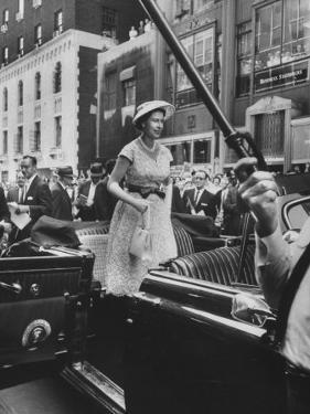 Queen Elizabeth Visiting the Us