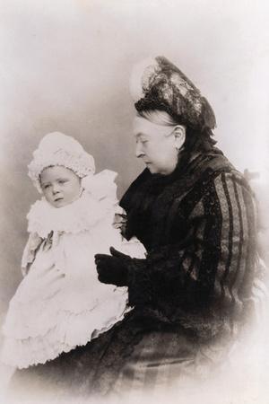 https://imgc.allpostersimages.com/img/posters/queen-victoria-and-prince-alexander-albert-as-baby_u-L-PZOQ2C0.jpg?artPerspective=n