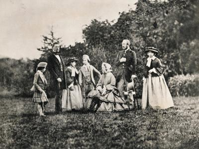 https://imgc.allpostersimages.com/img/posters/queen-victoria-with-husband-prince-albert-and-children-outdoors_u-L-PZO57Q0.jpg?artPerspective=n