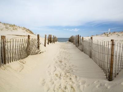 https://imgc.allpostersimages.com/img/posters/quiet-beach_u-L-PZL3JL0.jpg?p=0