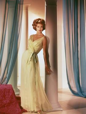 Quinze jours Ailleurs TWO WEEKS IN ANOTHER TOWN by VincenteMinnelli with Cyd Charisse, 1962 (photo)