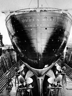 R.M.S. 'Queen Mary' in Dry Dock, Southampton, April 1936