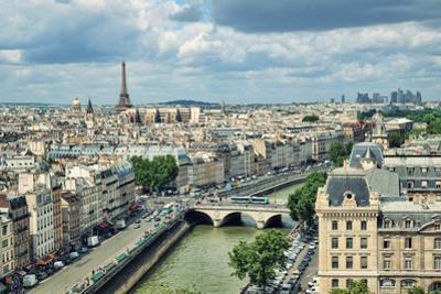 Paris Skyline by r.nagy