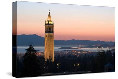 Berkeley University Clock Tower by Rafael Ramirez
