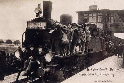 https://imgc.allpostersimages.com/img/posters/rail-strike-berlin-1910_u-L-Q107K6T0.jpg?p=0