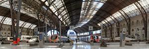 Railway station, Barcelone-Franca, Barcelona, Catalonia, Spain