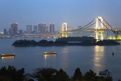 https://imgc.allpostersimages.com/img/posters/rainbow-bridge-from-odaiba-tokyo-japan-asia_u-L-PWFGVF0.jpg?p=0