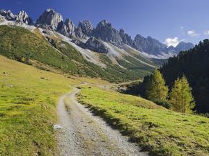 Austria, Tyrol, Kalkkšgel, Kemater Alp by Rainer Mirau