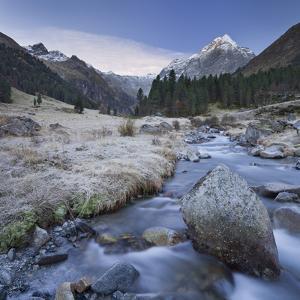 Austria, Tyrol, L?senstal, L?sens, L?senser Fernerkogel, Melbach by Rainer Mirau
