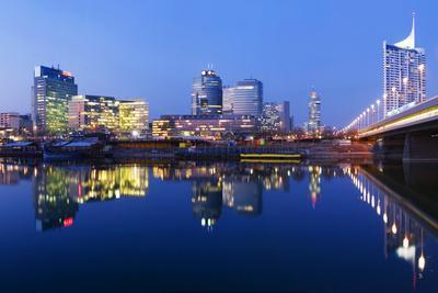 Austria, Vienna, Donau-City, Donau-City, City View, Evening-Mood, Danube, Panorama