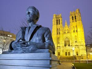 Belgium, Brussels, Cathedral Saint Michel Et Gudule, Bust by Rainer Mirau