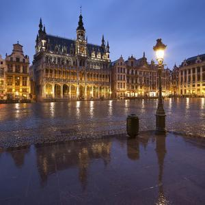 Belgium, Brussels, Grand-Place, Grote Markt, Evening by Rainer Mirau