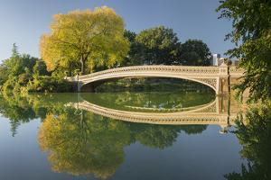 Bow Bridge, Central Park, Manhattan, New York by Rainer Mirau