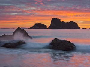 Hahei, Coromadel Peninsula, Waikato, North Island, New Zealand by Rainer Mirau