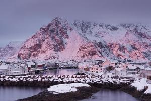 Henningsvaer (Fishing Village), Ausvagoya (Island), Lofoten, 'Nordland' (County), Norway by Rainer Mirau