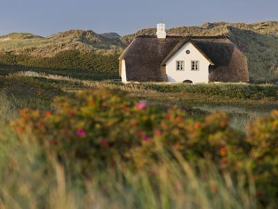 House 'Kliffende' Close Kampen (Municipality), Sylt (Island), Schleswig-Holstein, Germany by Rainer Mirau