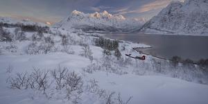 Hut at the Austnesfjorden, Higravtindan (Mountain), Lofoten by Rainer Mirau