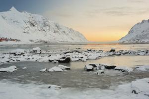 Indre Skjelfjorden, Flakstadoya (Island), Lofoten, 'Nordland' (County), Norway by Rainer Mirau