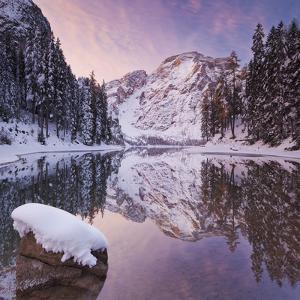 Italy, South Tirol, Alto Adige, Lake Pragser Wildsee, Fanes-Sennes-Prags Naturpark, Seekofel by Rainer Mirau