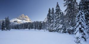 Italy, Veneto, Sextener Dolomiten (Mountains), Lago Antorno, Drei Zinnen (Mountain) by Rainer Mirau