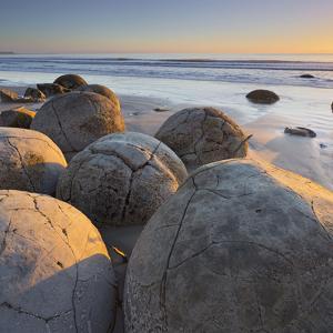 Moeraki Boulders, Otago, South Island, New Zealand by Rainer Mirau