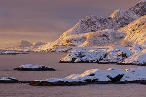 Moskenesoya, Lofoten, 'Nordland' (County), Norway by Rainer Mirau