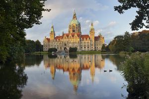 New Town Hall, Maschteich, Machpark, Hanover, Lower Saxony, Germany by Rainer Mirau