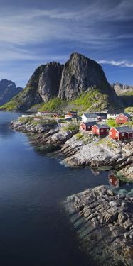 Norway, Nordland, Lofoten, Moskenesoya, Reine, Reinefjorden, Hamnoya by Rainer Mirau