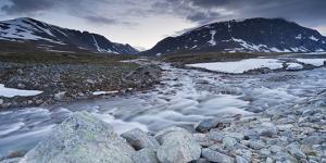 Norway, Sšr-Tršndelag, Trollheimen, Blahša, Gravbekken by Rainer Mirau