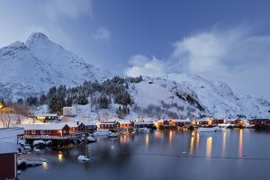 Nusfjord, Flakstadoya (Island), Lofoten, 'Nordland' (County), Norway by Rainer Mirau