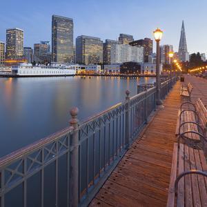 Pier 7, Transamerica Pyramid, Financial District, San Francisco, California, Usa by Rainer Mirau
