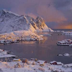 Reine' (Village), Lilandstinden, Moskenesoya (Island), Lofoten, 'Nordland' (County), Norway by Rainer Mirau