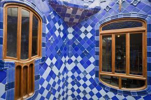 Spain, Catalonia, Barcelona, Casa Battlo, Patio by Rainer Mirau