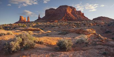 Stagecoach, Brighams Tomb, Monument Valley, Navajo Tribal Park, Utah, Usa by Rainer Mirau