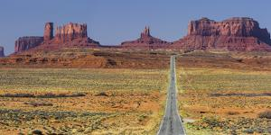 Stagecoach, Brighams Tomb, Road 163, Monument Valley, Navajo Tribal Park, Utah, Usa by Rainer Mirau