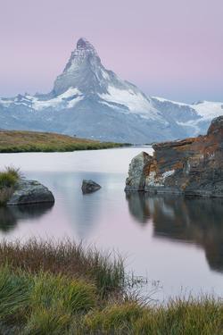Stellisee, Matterhorn, Zermatt, Valais, Switzerland by Rainer Mirau