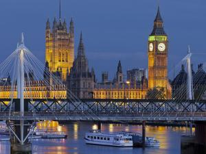 The Thames, Westminster Palace, Hungerford Bridge, Big Ben, in the Evening by Rainer Mirau